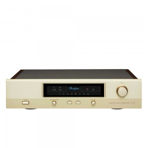 Accuphase C-37